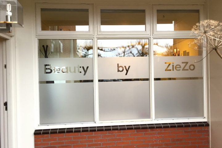 Belettering ramen Beauty by Ziezo in Loppersum